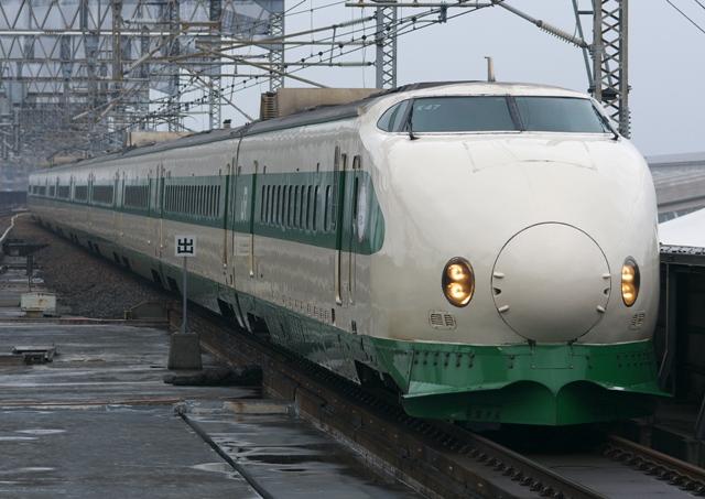 130330-JR-E-200-genshoku-2!.jpg
