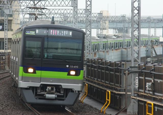 131005-toei-shinjuku-10-300-490F-2!.jpg