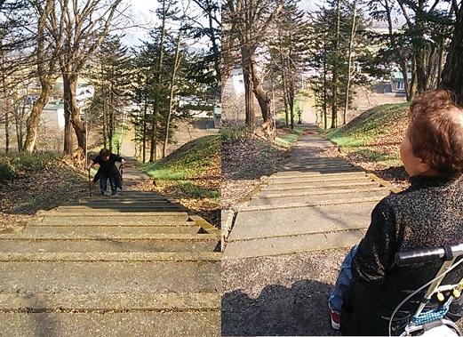 神社の階段と祖母1