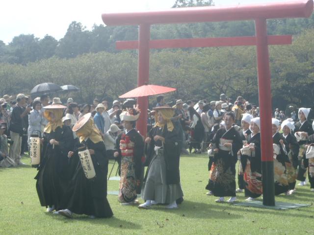 子供の花嫁行列ふれあい公園入場