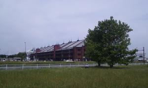 日曜日の赤レンガ倉庫