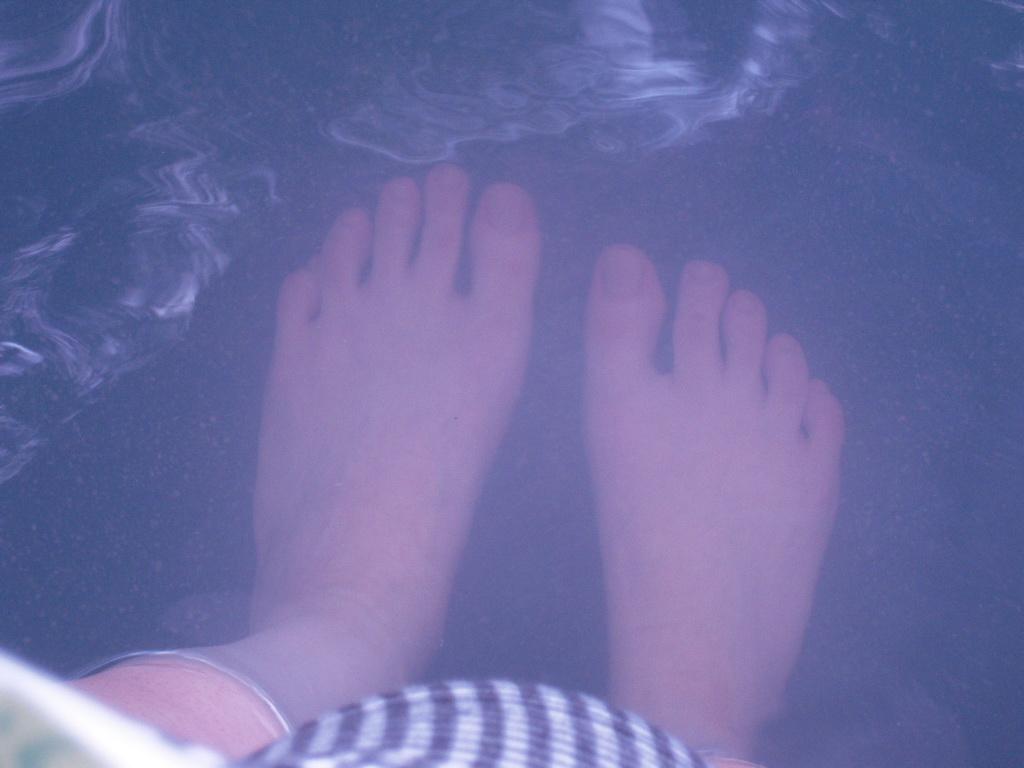 欅平の足湯☆