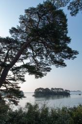 島から島を眺める