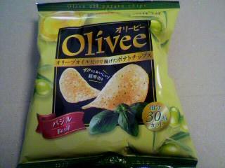 カルビー「Olivee(オリービー)バジル」