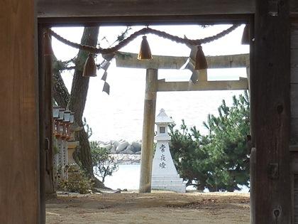 住吉神社から海