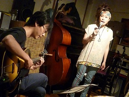 vo松坂憲子さん、飛び入りg呉山勝全さん