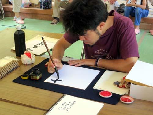 2012年 雄勝町 ボランティア活動 森林公園仮設にて