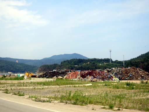 2012年 雄勝町内の写真 瓦礫の山