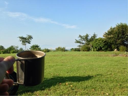 キャンプ場の朝コーヒー