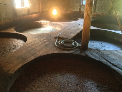 ヤマロク醤油 醤油樽