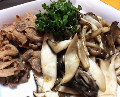 豚肉の味噌炒め キノコの味噌炒め
