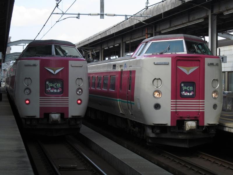 石川台の鉄活動日記-381やくも 並び