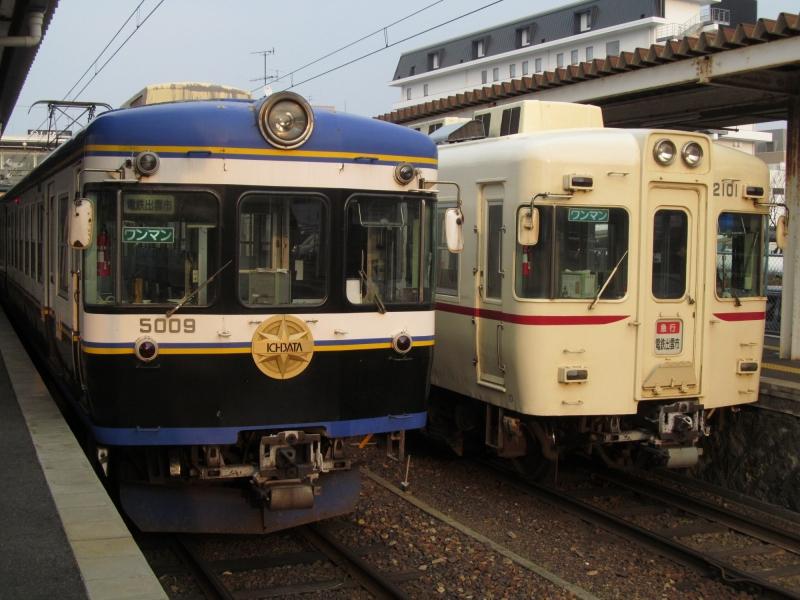 石川台の鉄活動日記-一畑2000リバイバル&5000 並び