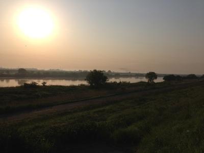 早朝の利根川3