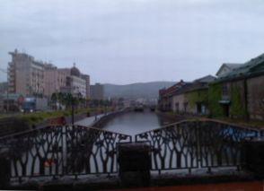 雨の小樽運河