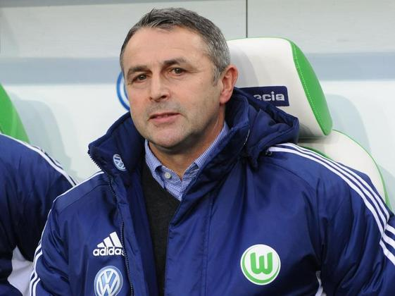 Erste-Bundesliga-Wolfsburgs-Klaus-Allofs-schimpft-ueber-Rote-Karte1_image_630_420f.jpg