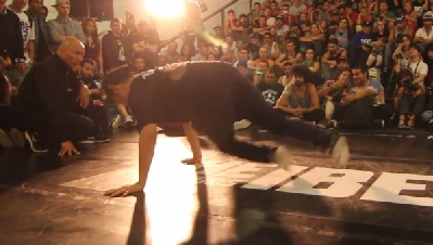 IBE-2013-Focus-on-Footwork-Battle-Quarter-Final-Shishavi-Vs-Wing-Zero_0829.jpg