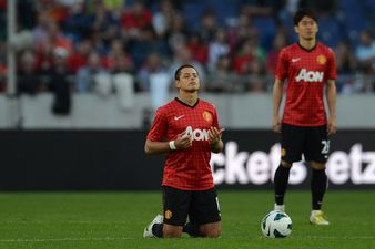 Javier-Hernandez-Chicharito-prays-2350849.jpg
