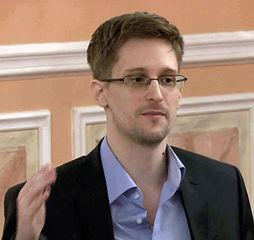 Edward_Snowden_2013-10-9_(2)_(cropped).jpg