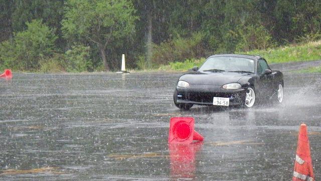 排水性重視のノーマルタイヤチョイス