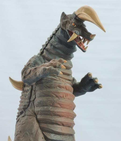 ブラックキング(夕焼け激闘Ver.):ちょっと下から