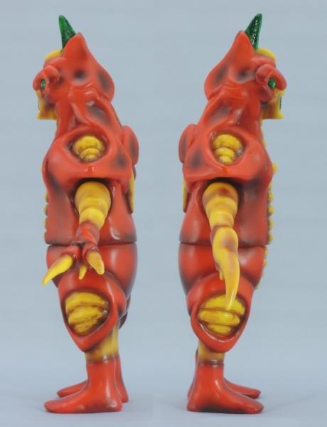 赤色甲殻人 ジャバラ:左右側面