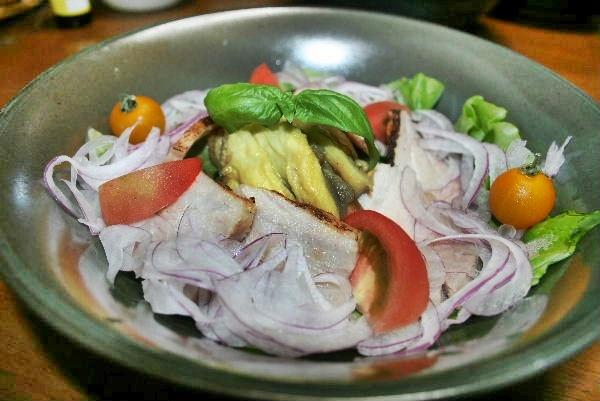 焼きなすと塩豚のサラダ仕立て