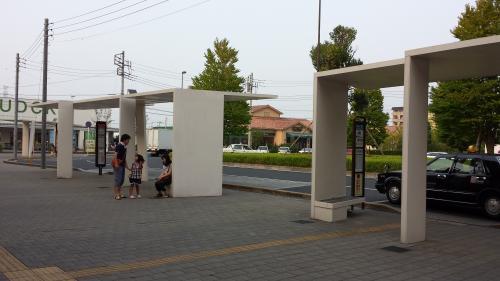 キャンパス駅東口