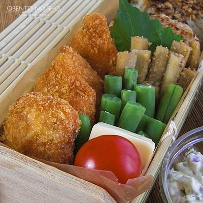 秋鮭フライ&じゃこ焼おにぎり弁当03