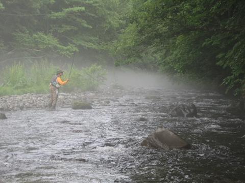 130728-075552-朝靄の中を釣る_R