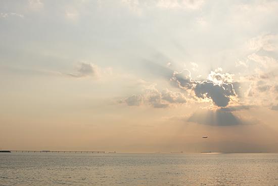 雲と光と空と海