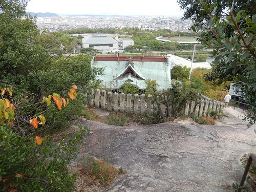 生石神社後ろから