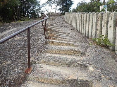 生石神社登る