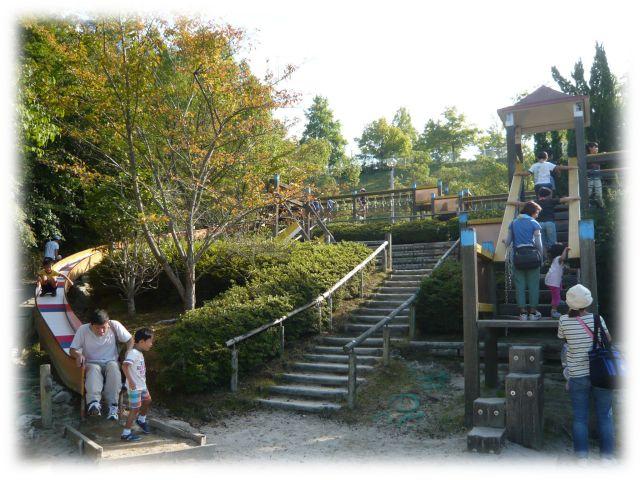 生駒山麓公園 木製大型遊具