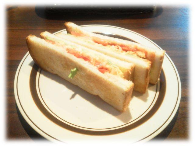海老とアボガドと玉子のトーストサンド