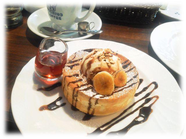チョコバナナのスフレパンケーキ