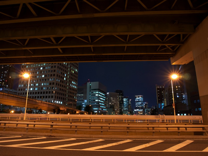 中之島西 阪神高速高架下 夜景