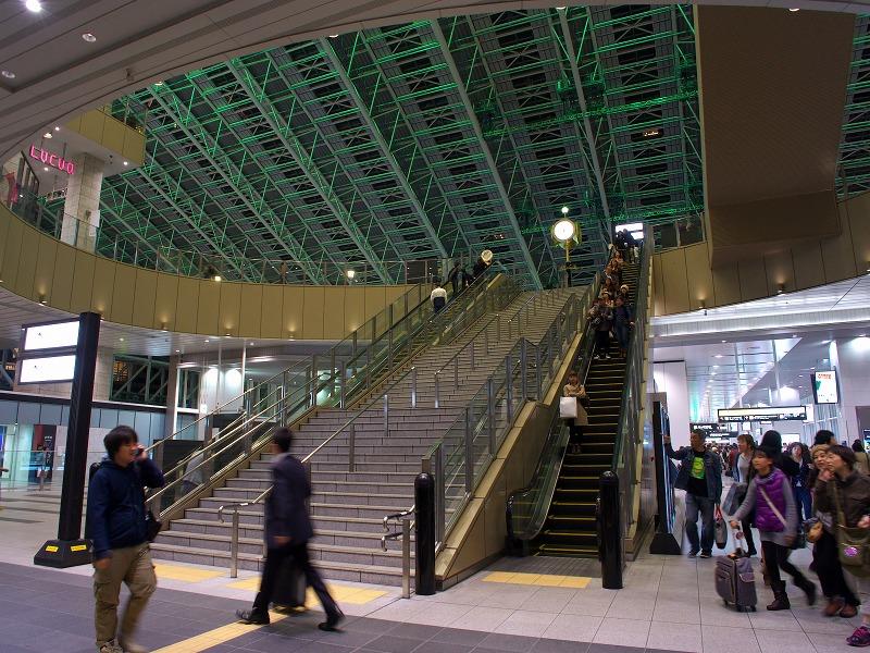 うめきた広場 JR大阪駅 グランフロント 夜景