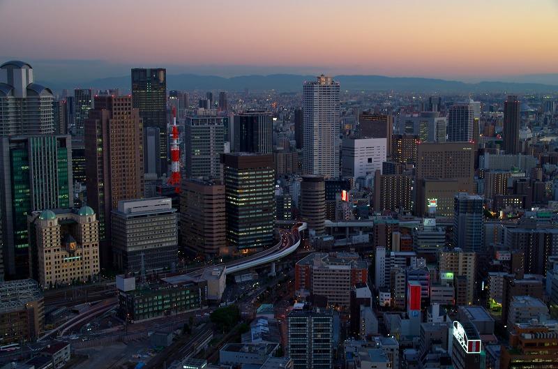 梅田スカイビル 夕景から夜景へ