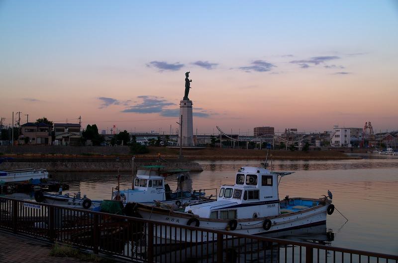 旧堺港 ヨットハーバー 夕陽 夕焼け 龍女神像