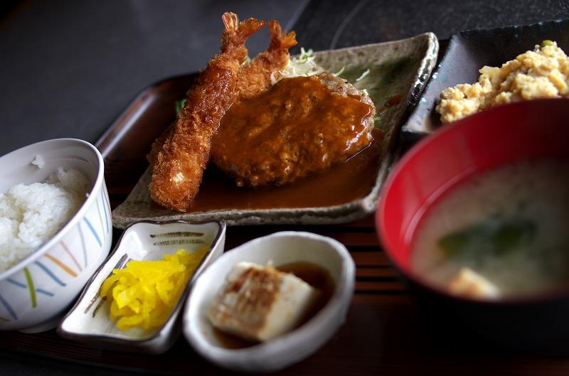 神戸食堂 ハンバーグと海老フライ定食