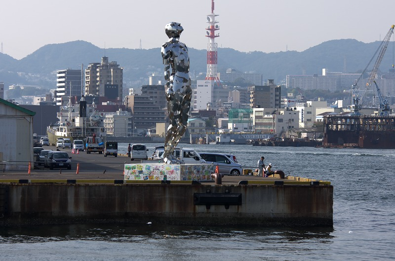 神戸ビエンナーレ 海上アート 輝く人