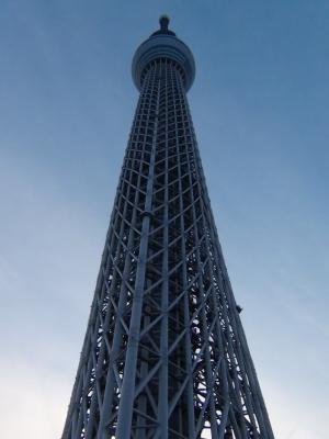 夕暮れ時の東京スカイツリー