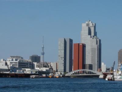 築地市場と東京スカイツリー
