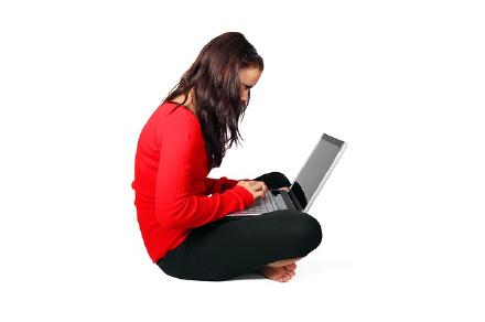 座女パソコン画像
