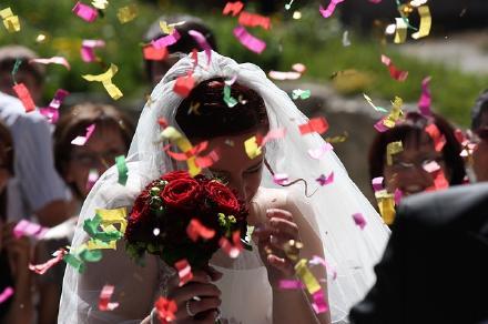 結婚式女性画像