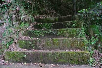 西椎屋階段2