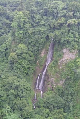 震動の滝3