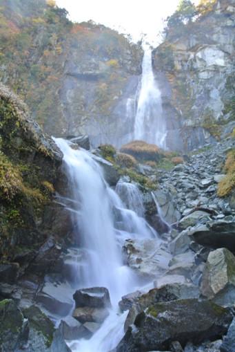 精進が滝 + 前衛の滝