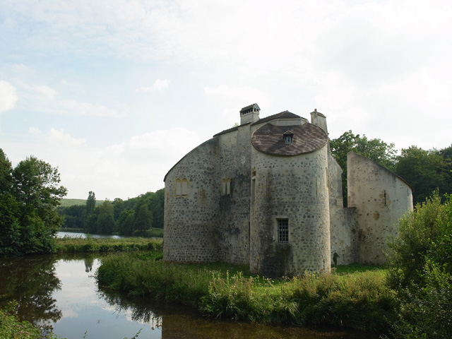 Chateau-de-la-Chasse000.jpg